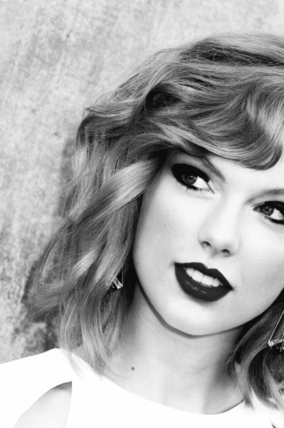 TAYLOR-SWIFT-HEAVY-EYE-LINES
