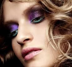 newest 2019 beauty trends-jeweled-toned beauty