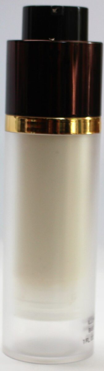 Tom-ford-illuminating-primer-pump-mechanism-rises-up-when-twist-bottle