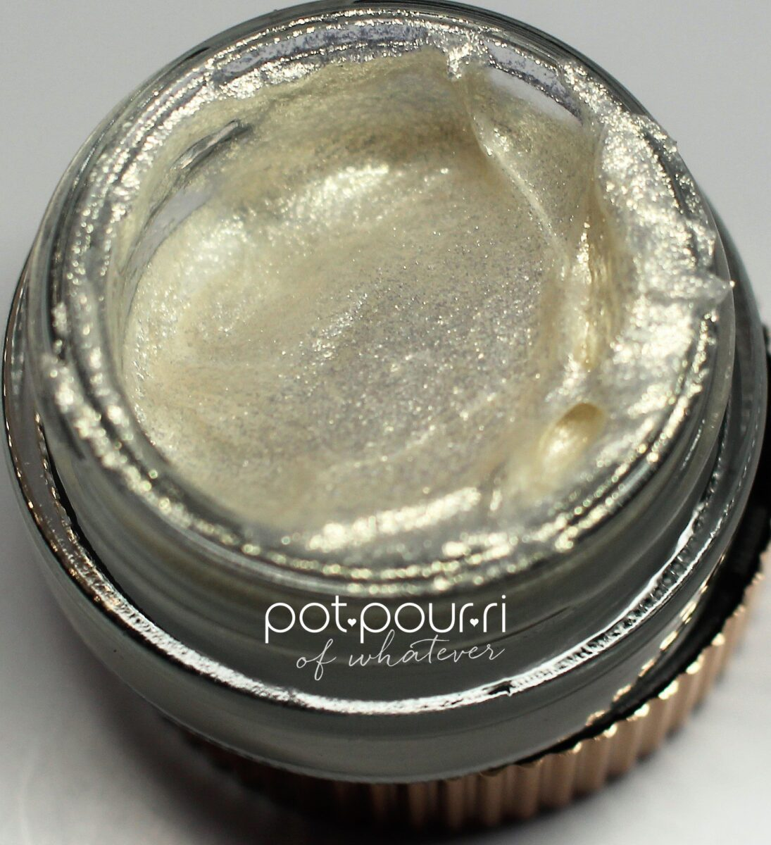 In the shadow pot Victoria Beckham and Estee Lauder Eye Foils Blonde Gold looks like a white metallic cream