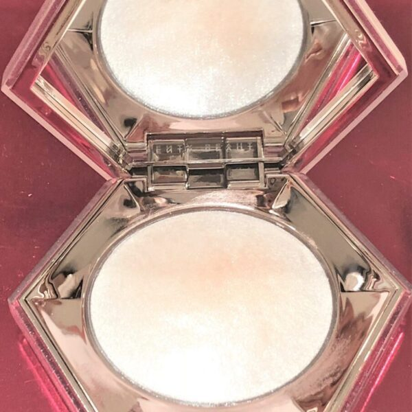 fenty-beauty-compact-diamond-bomb-opened mirror