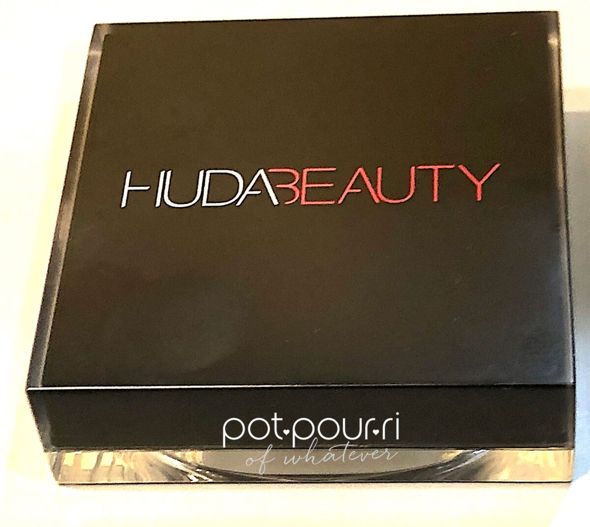 JUDA BEAUTY TANTOUR PACKAGING SLEEK EASY TO OPEN HAR