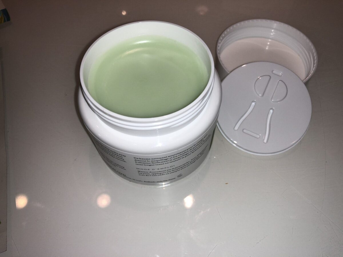 THE GREEN CLEAN MAKEUP MELTAWAY CLEANSING BALM