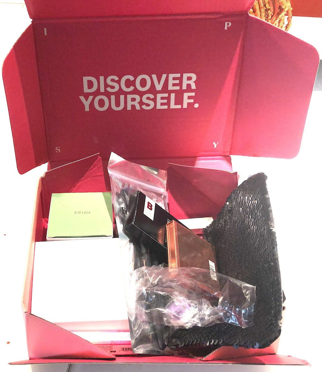 IPSY GLAM BAG PLUS OCTOBER 2019 PACKAGING-INSIDE THE BOX