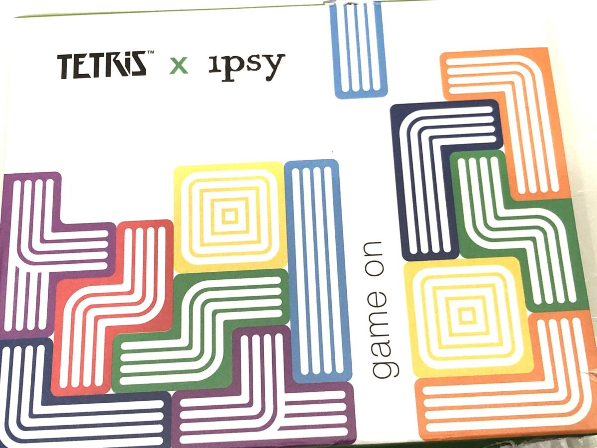 TETRIS X IPSY GAME ON EYESHADOW PALETTE