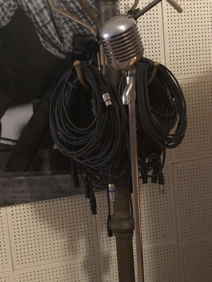THE MICROPHONE EVERYONE USED TO RECORD, EVEN ELVIS