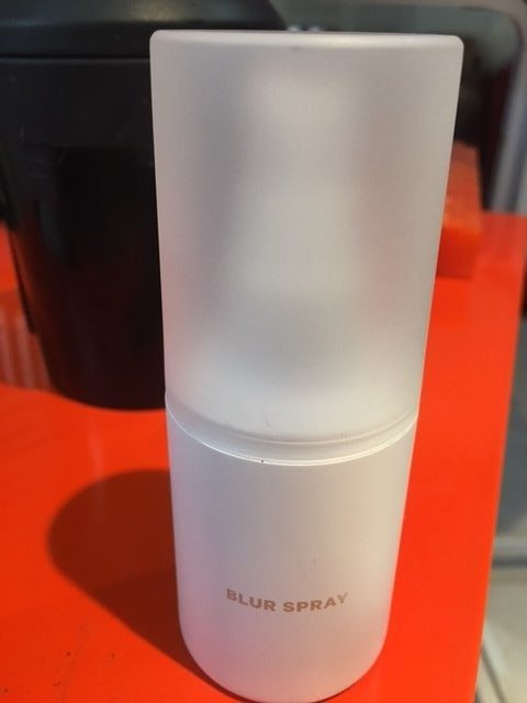 Milk Blur Spray 3 In 1 Blurs Pores Mattifies Skin And Sets