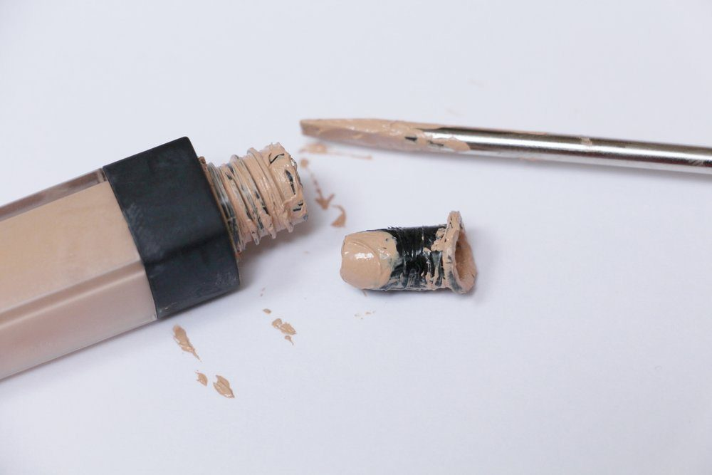 nARS-THE-STOPPER-HAS-BEEN-PRIED-OFF-THE-NARS-TUBE