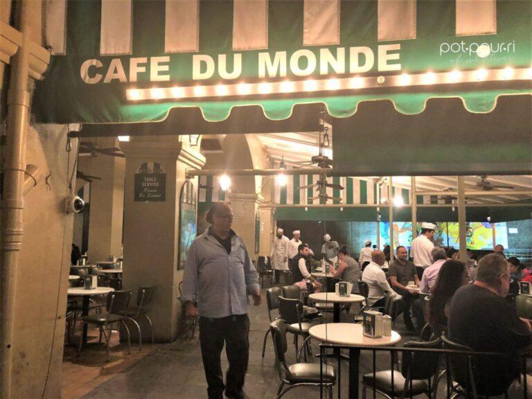Cafe du Monde opened 24 hours