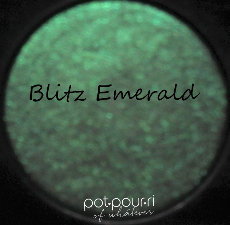 pat-mcgrath-blitz-emerald---Copy-(2)