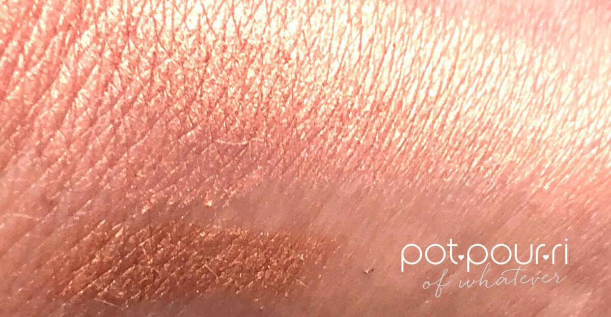 TOP SAVANNAH SUNSET SWIFT SHADOW SWATCH, BOTTOM MULTEYETASKER EYE PENCIL SWATCH IN PEACH