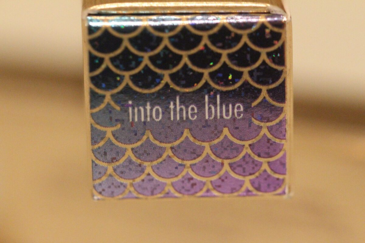 stila-metallic-into-the-blue-blue-purple
