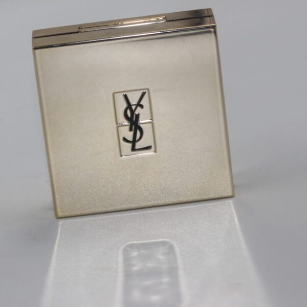 YSL-touche-eclat-compact-gold-mirrored-YSL-logo-black