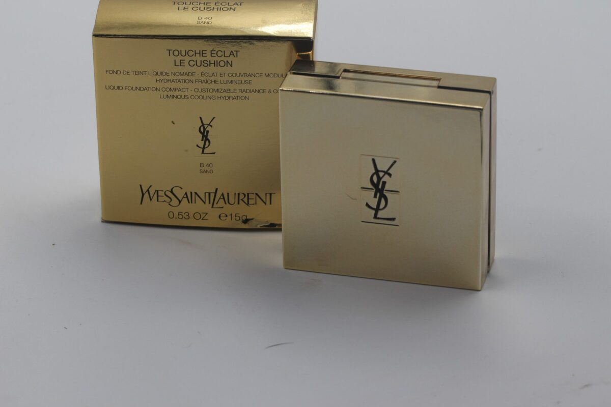 YSL-touche-eclat-foundation-cushion-packaging-and-compact-gold