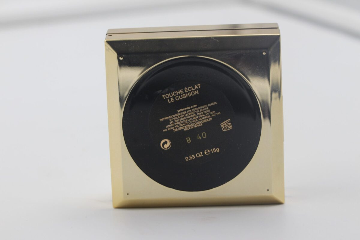 YSL-touche-eclate-foundation-cushion-compact-theback